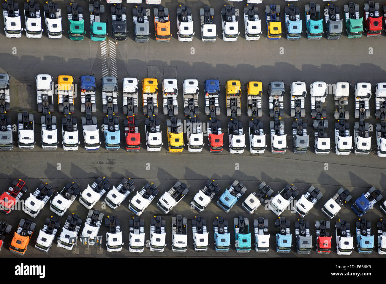 semi trailers for sale in germany david clark headset wiring diagram semitrailers stock photos images alamy parking hamburg image