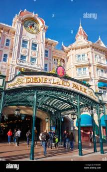Disneyland Paris Entrance