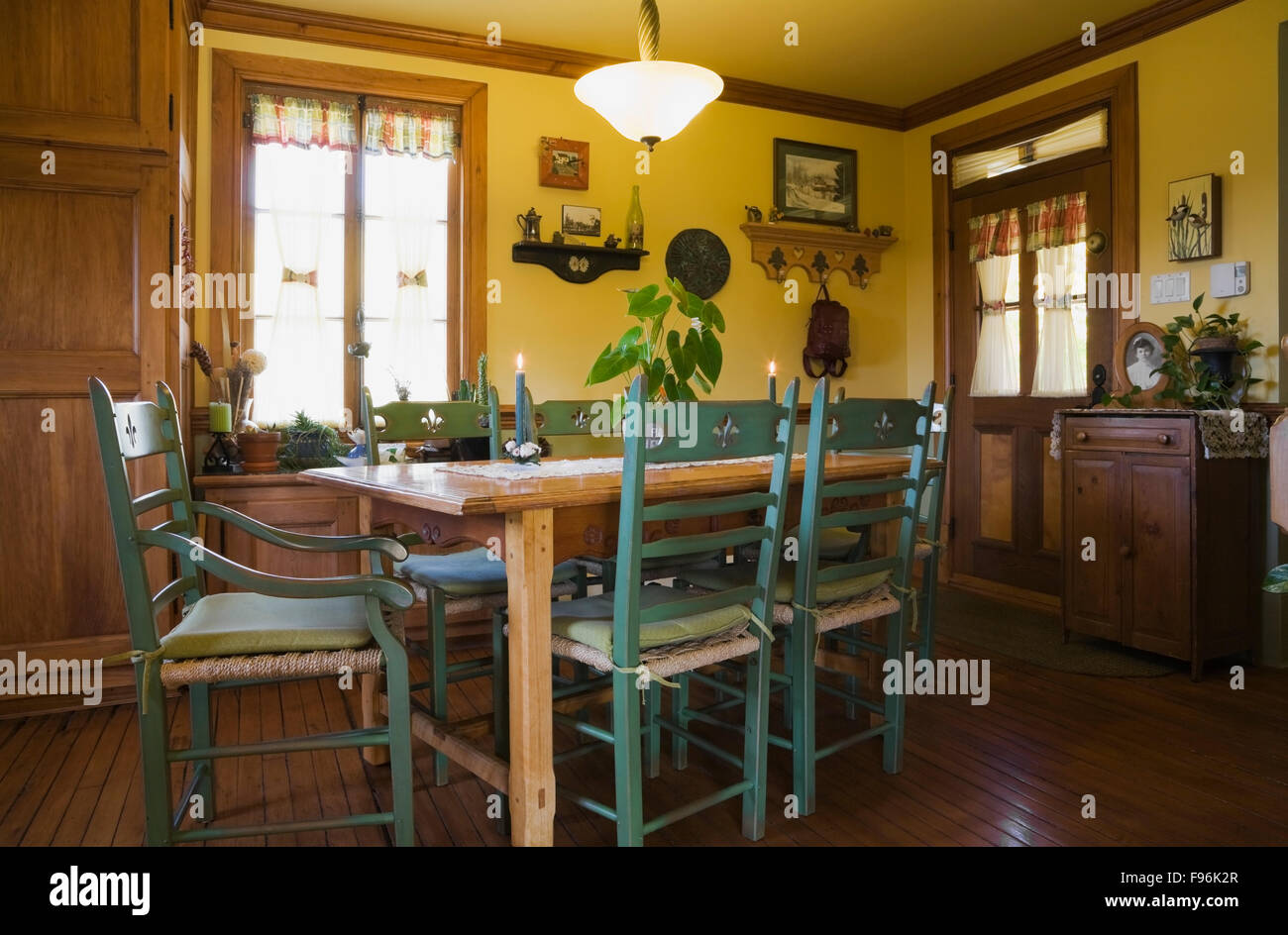 Sensational Kitchen Table And Chairs Canada Best Image Libraries Thycampuscom