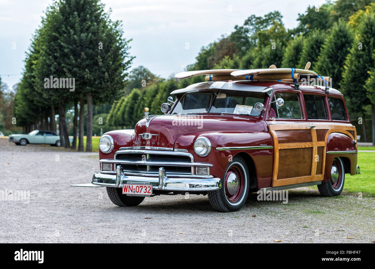 hight resolution of schwetzingen baden w rttemberg germany plymouth woody suburban year of manufacture 1950 classic gala concours d el gance in the baroque castle grounds