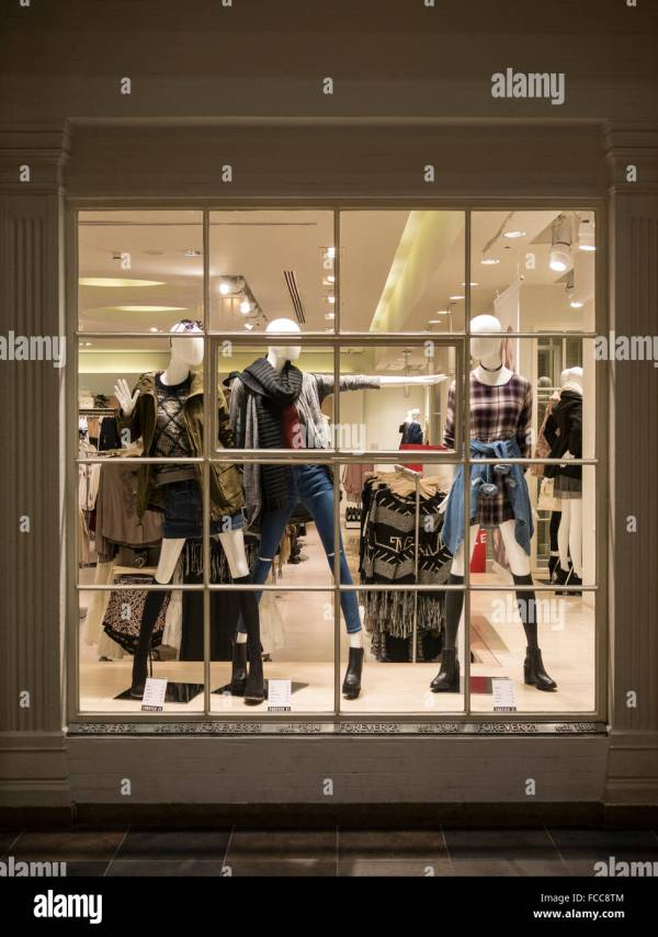 Trendy Fashion Store Window Display In Architectural Detail Of Ibn Stock Royalty Free