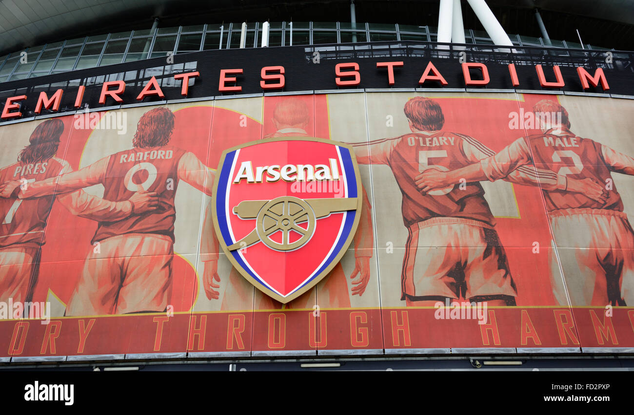https www alamy com stock photo arsenal logo on big poster with former star players on the outside 94104270 html