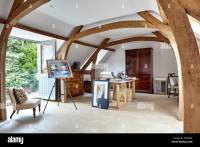 First-floor studio with exposed wood beams semi-vaulted ...