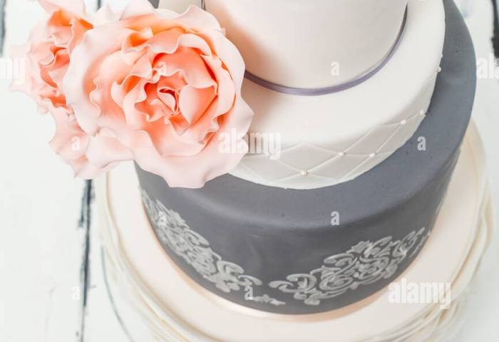 Beautiful Wedding Cake Stock Photo 100494171 Alamy