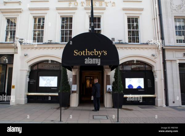 General View Of Sotheby' Bond Street In London