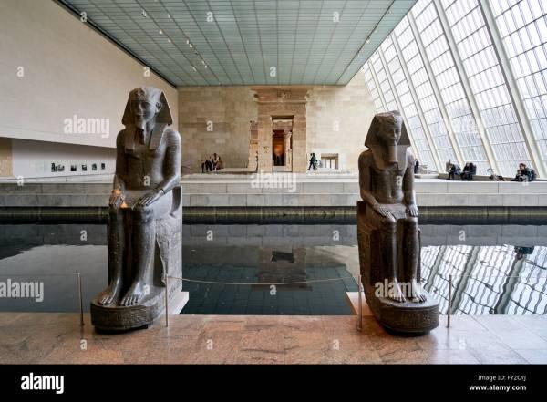 Metropolitan Museum Of Art. Manhattan York