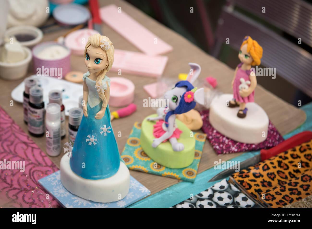 Frozen Elsa Birthday Cake Decoration At Cake International The