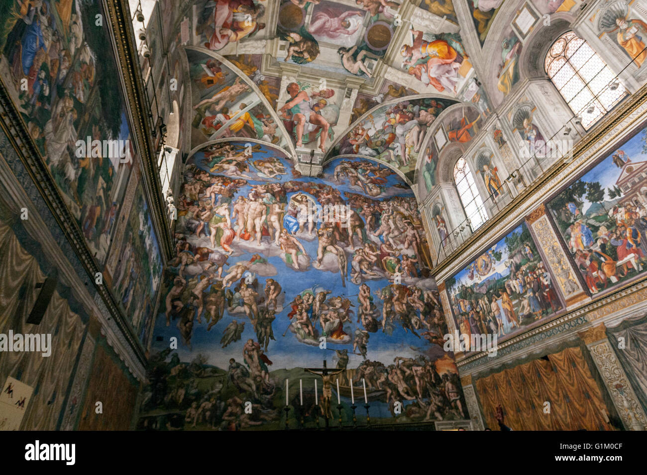 The Mural On Ceiling Of Sistine Chapel Was Painted By Hbm Blog