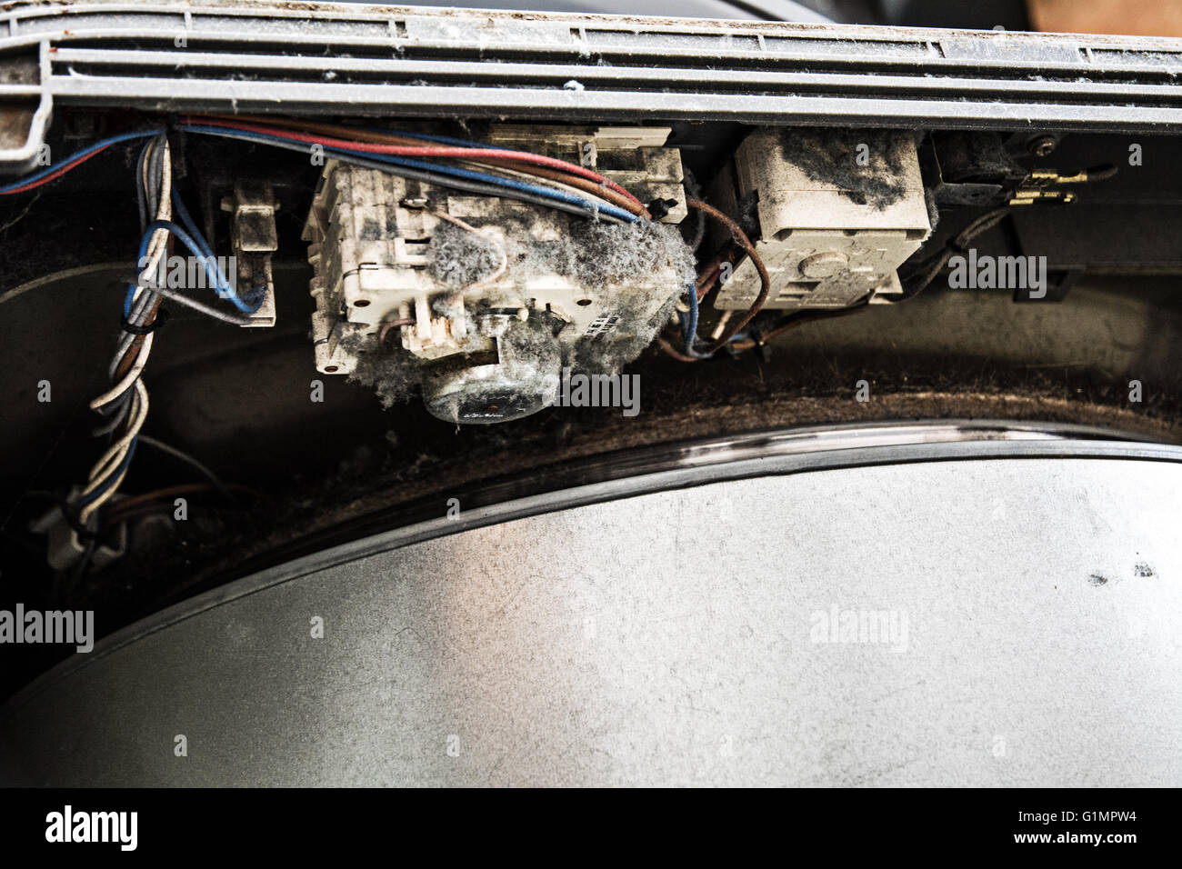hight resolution of a faulty tumble dryer having the fire prevention repair done in 2016 hotpoint indesit