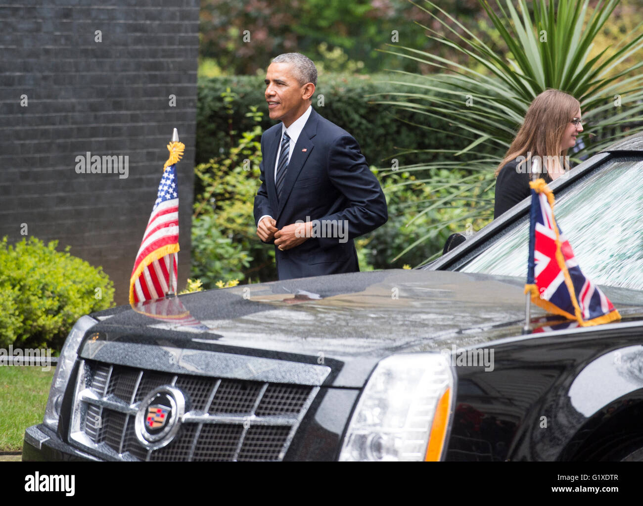 hight resolution of president barack obama meeting prime minister david cameron in downing street london stock image