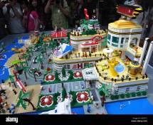 LEGO City Shopping Mall