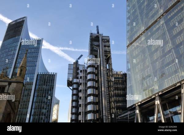 Lloyds Building Leadenhall And Willis Towers Watson Stock 105569439 - Alamy