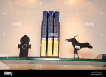 Book Ends Stock & - Alamy