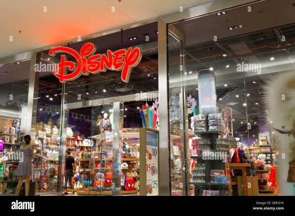 Disney Store Stock & - Alamy