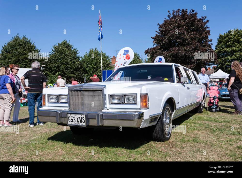medium resolution of lincoln town car 1989 classic car show stock image