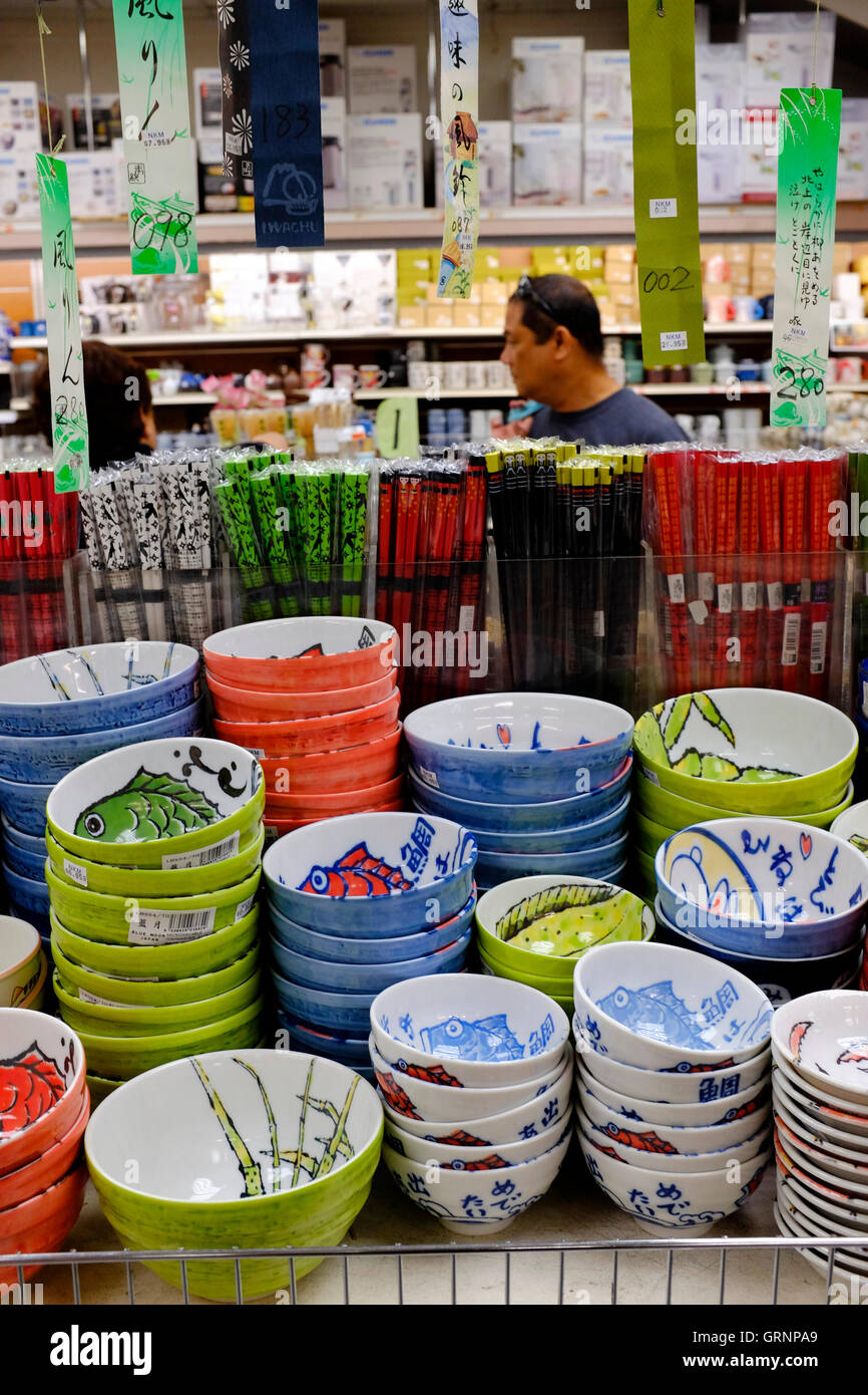 kitchen stuff on sale faucet with side sprayer ceramic bowls pots and other for in new kam man chinese grocery store manhattan york city usa
