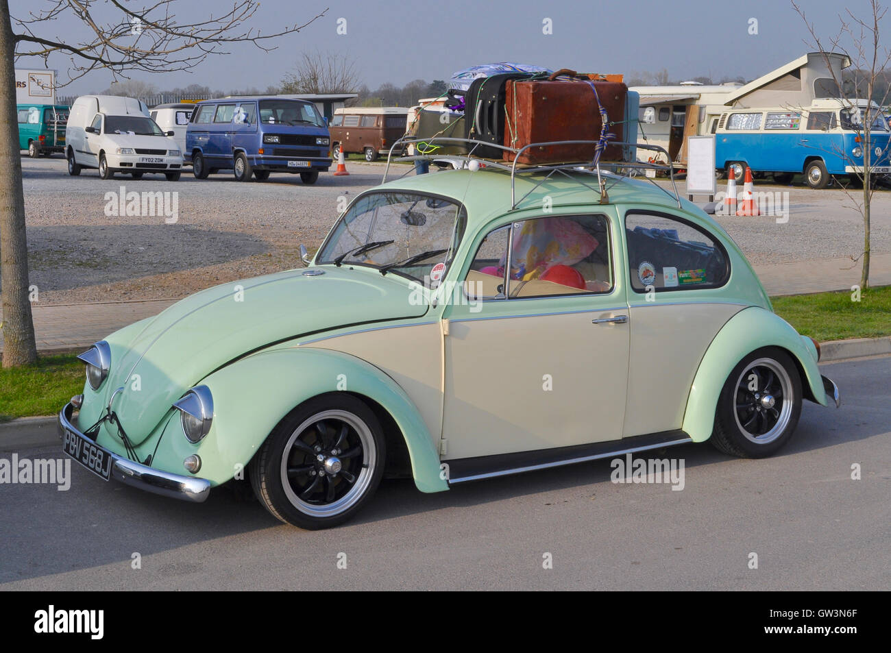 https www alamy com stock photo classi volkswagen beetle in pistachio green with retro luggage loaded 118711111 html