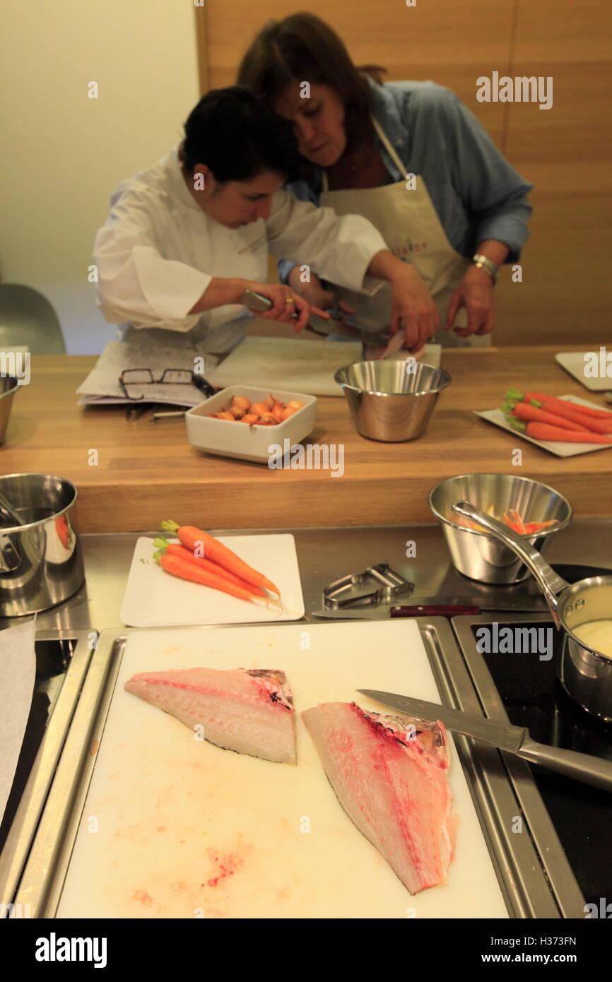 Ecole De Cuisine Alain Ducasse : ecole, cuisine, alain, ducasse, Cooking, Class, Ecole, Cuisine, Alain, Ducasse, (Alain, Stock, Photo, Alamy