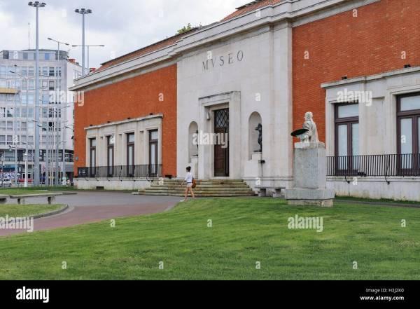 Museo De Bellas Artes Bilbao Stock & - Alamy
