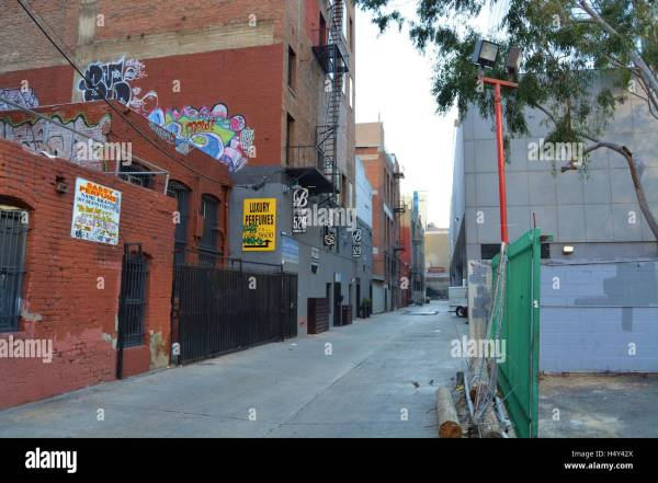 Urban City Life Art Metropolitan Building Downtown Graffiti Los Stock 123527122 - Alamy