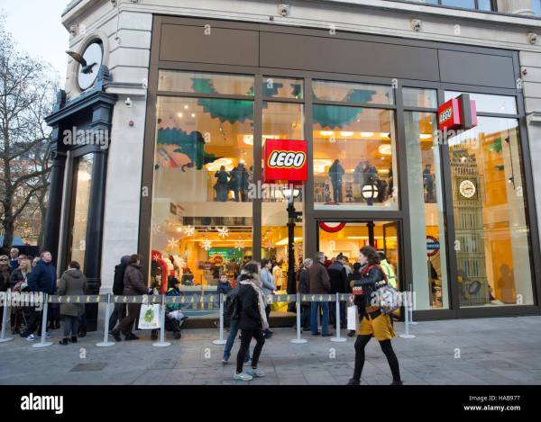 Leicester Square Uk 28th November 2016 People Queue Stock 126867884 - Alamy