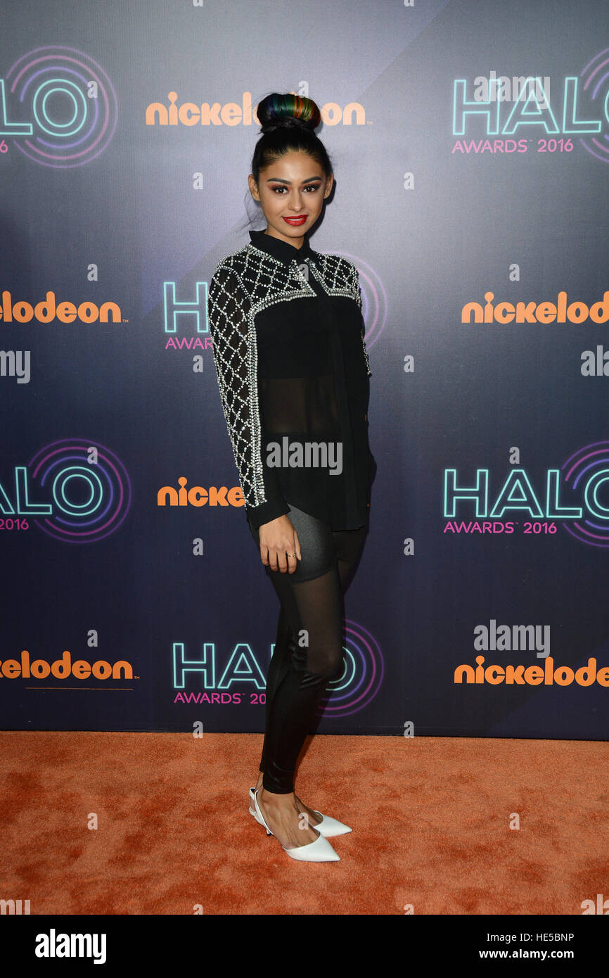 Nickelodeon 2016 Halo Awards : nickelodeon, awards, Nickelodeon, Awards, Carpet, Arrivals, Stock, Photo, Alamy