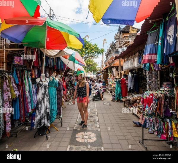 Female Tourist Dresses Traditional Art Market Ubud Bali Stock 131380978 - Alamy
