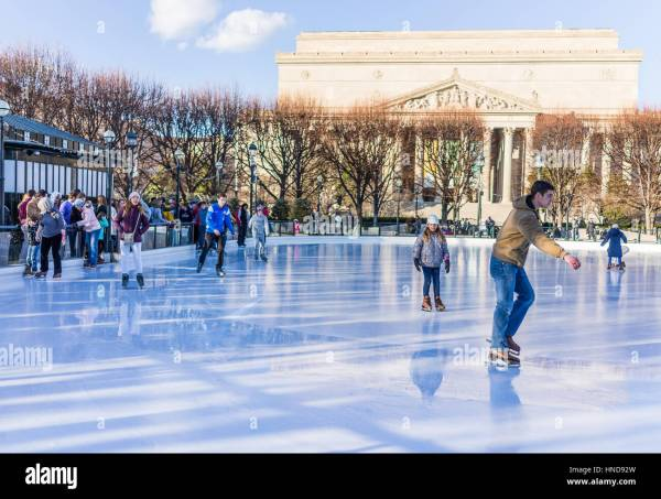 Washington Sculpture Garden Stock & - Alamy