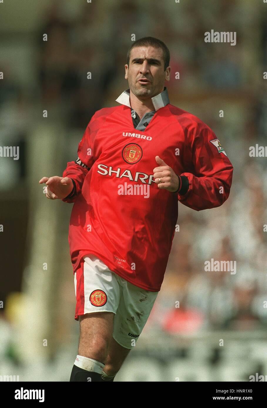 Manchester united 1996/1997/1998 home football shirt jersey #7 cantona. ERIC CANTONA MANCHESTER UNITED FC 12 August 1996 Stock ...