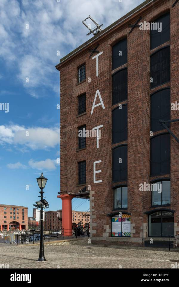 Tate Liverpool Stock & - Alamy