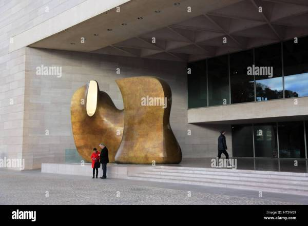 Henry Moore Sculpture Art Stock &