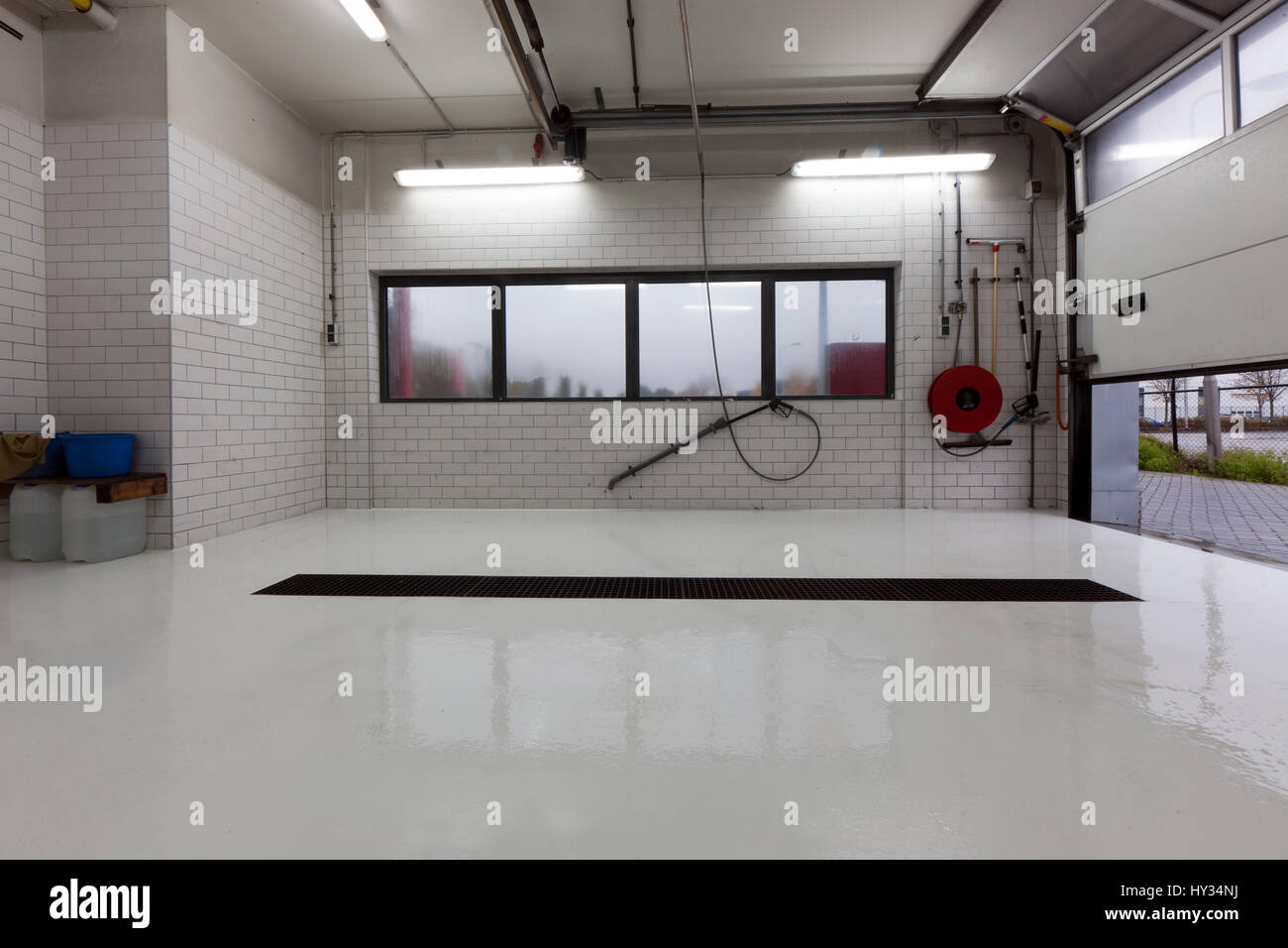 https www alamy com stock photo an empty indoor luxurious car wash with a high pressure washer 137137886 html