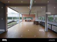 Living room, Villa Savoye at Poissy, France, modernist ...