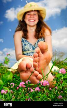 Field Feet Toes Barefoot Put Sitting Sit Meadow Girl Girls
