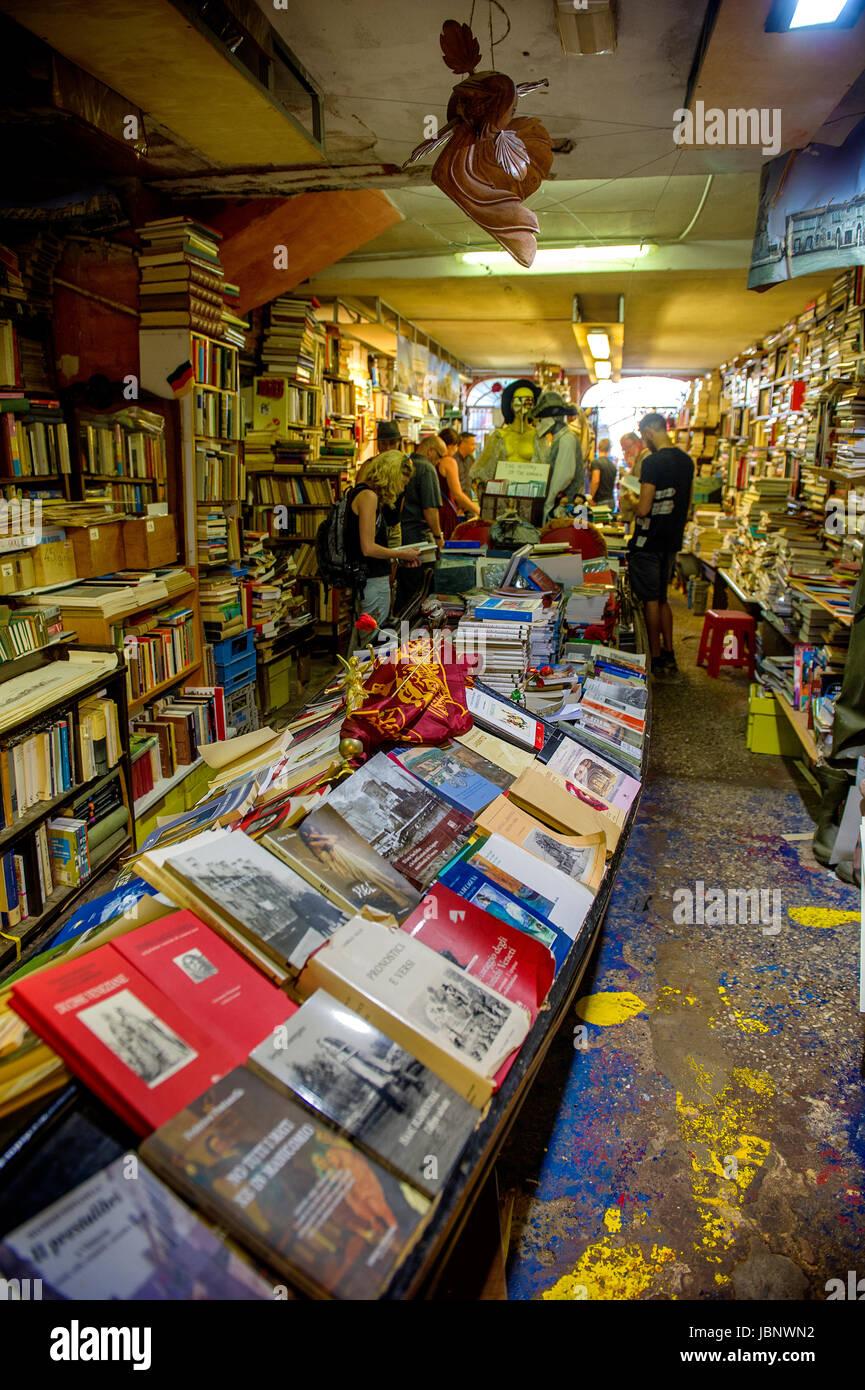 Libreria Acqua Alta, Venezia