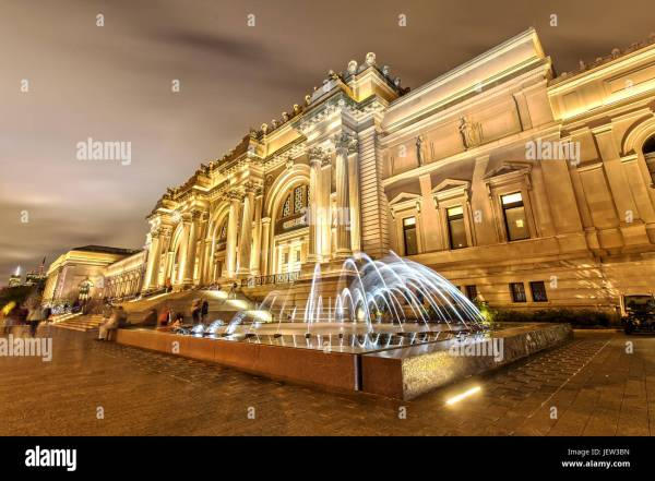 Metropolitan Museum Of Art Facade Stock &