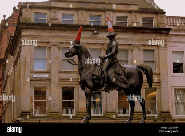 Glasgow Museum Of Modern Art Duke Wellington Statue Stock &