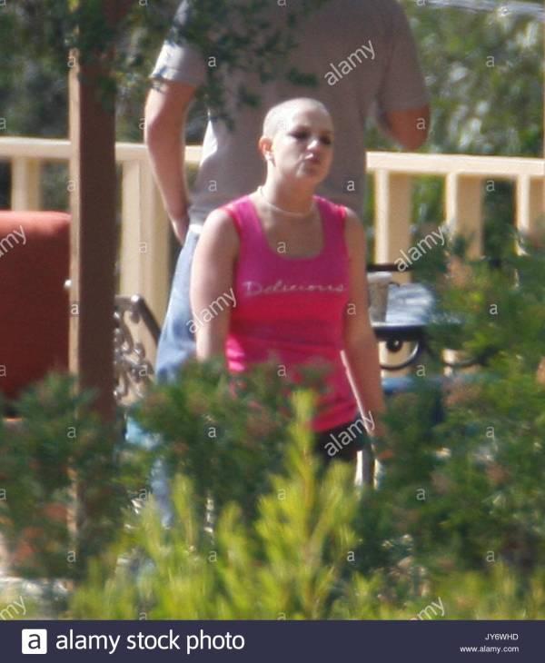 Bald Britney Spears Rehab