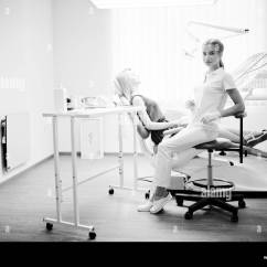 Portable Dental Chair Philippines Mode Dentist Black And White Stock Photos Images Alamy