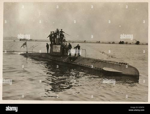 small resolution of german u boat ub 14 with its crew stock image