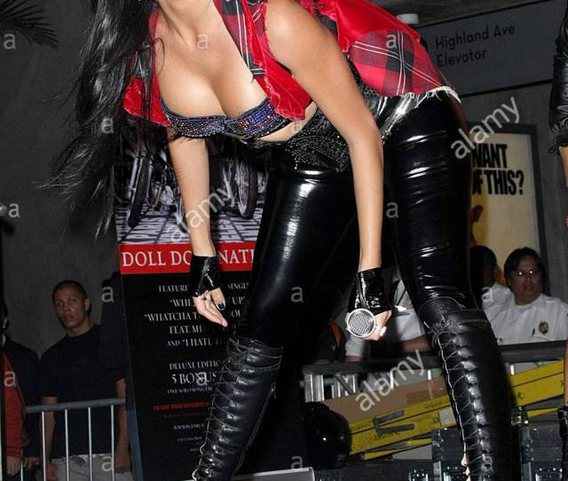Nicole Scherzinger The Pussycat Dolls Celebrate The Release Of The New Album Doll Domination At The Virgin Megastore At Hollywood And Highland In