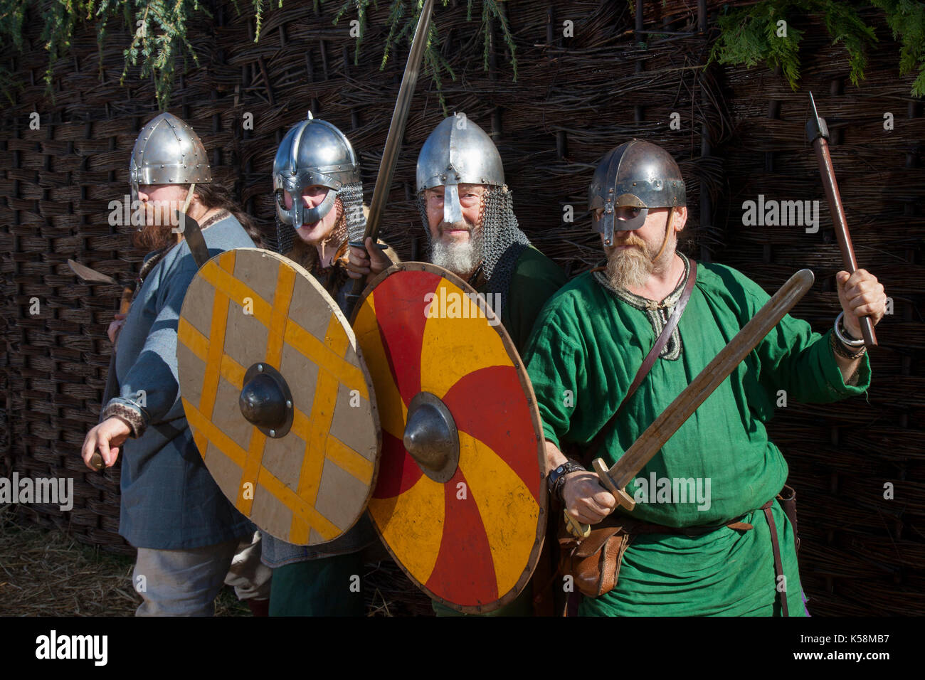 King With Sword And Shield Stock Photos Amp King With Sword
