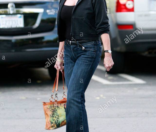 Loni Anderson Sixty Two Year Old Loni Anderson Shows Us There Is A Way To Age Gracefully In Hollywood Loni Recently Got Married For The Fourth Time To A