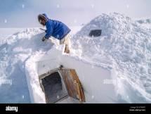 Eskimo Building Igloo Stock &