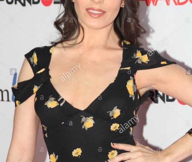 Dana Dearmond The Avn Awards Were Held At The Joint Inside The Las Vegas Hard Rock Hotel And Casino On Saturday Night Over 300 People Walked The Red