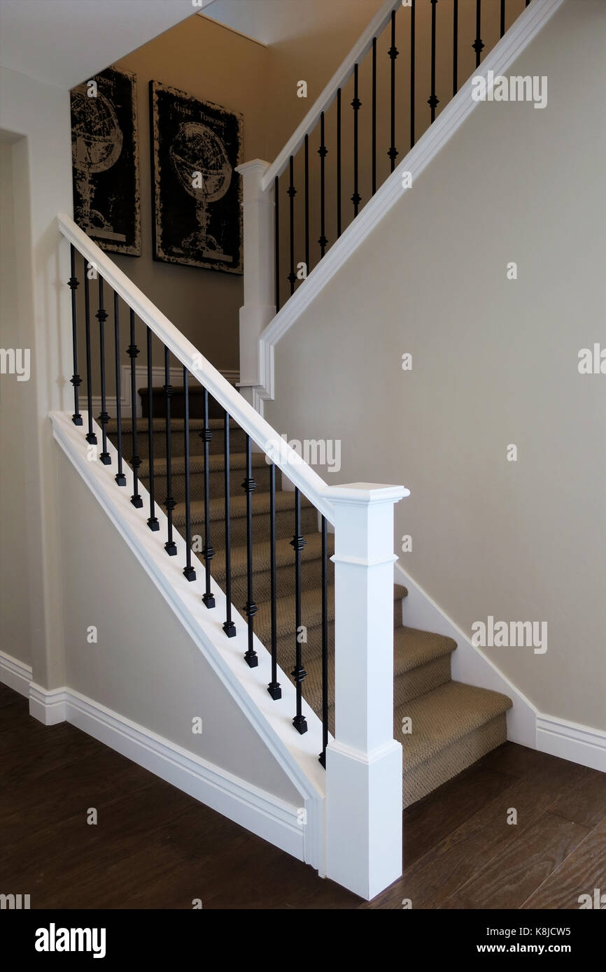 An Stairway With Wrought Iron Railing And Carpet Stairs With Globe   Rod Iron Railing For Steps   Artistic   Aluminum   Front Porch   Custom   Corner