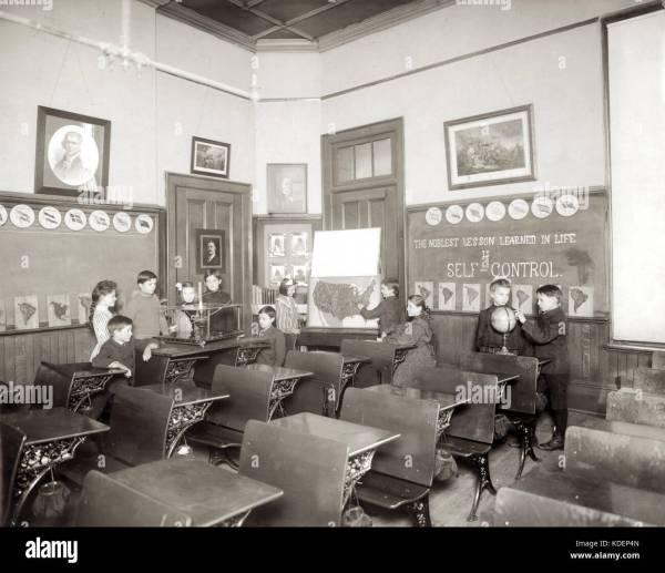 School Classroom And 1900s Stock & - Alamy