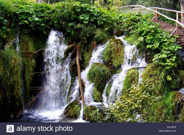 Amazing Waterfalls Stock & - Alamy