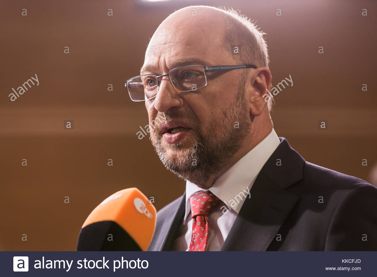 Das Rote Sofa Howard Carpendale Der Zdf Stock Photos And Der Zdf Stock Images Page 3 Alamy