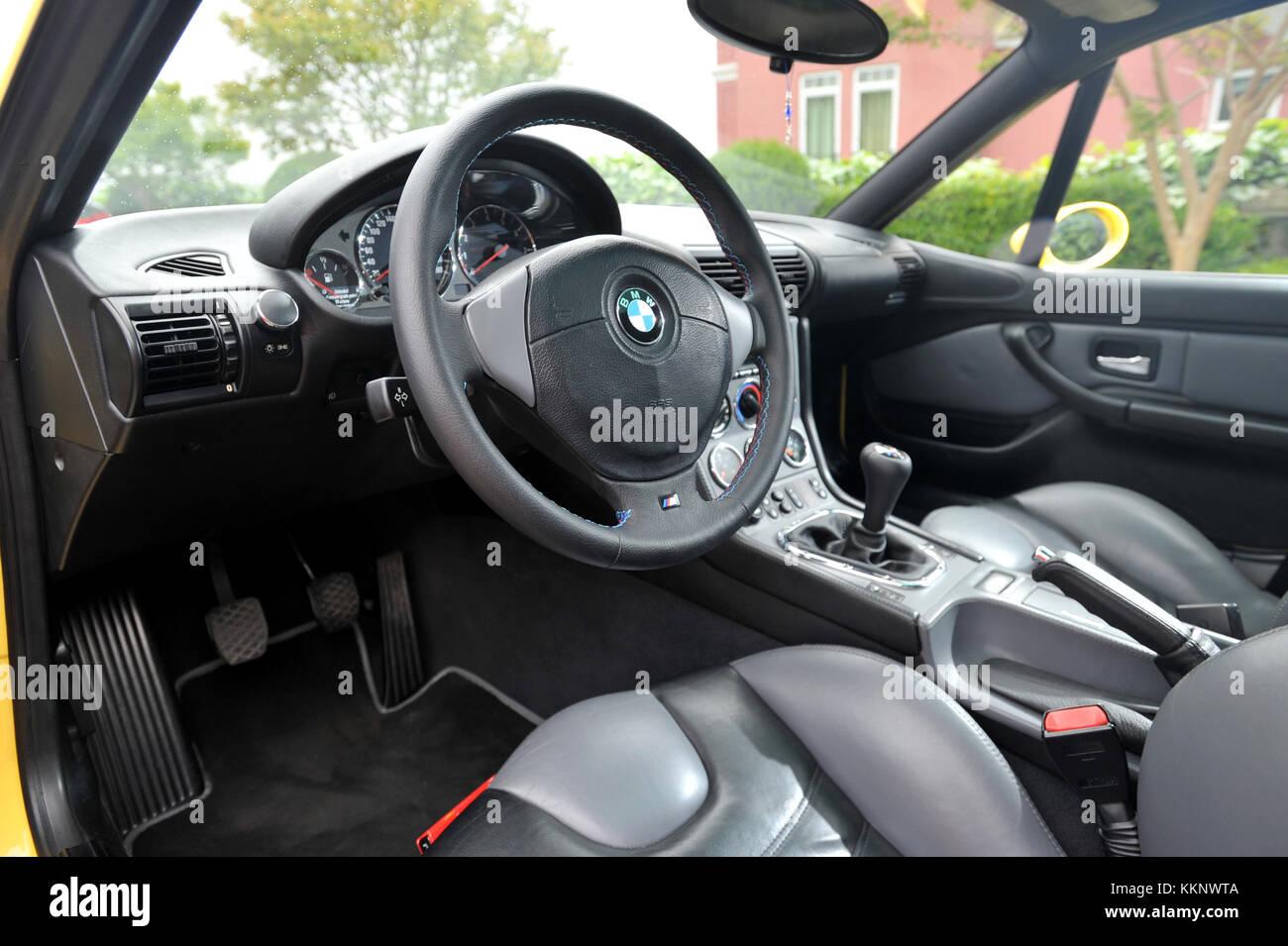 hight resolution of bmw z3m interior
